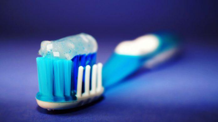 Fluoride-Free-Toothpaste